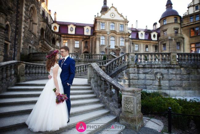 Plener ślubny zamek w Mosznej.