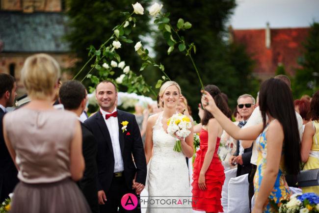 Ślub cywilny w plenerze.