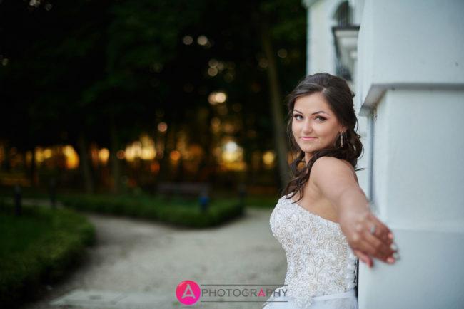 Zdjęcia ślubne Ogród Zmysłów i Pałac Grudzińskich w Poddębicach.